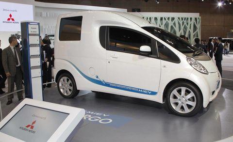 Motor vehicle, Wheel, Automotive design, Mode of transport, Automotive tire, Vehicle, Transport, Automotive wheel system, Alloy wheel, Vehicle door,