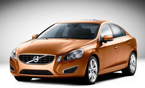 Tire, Mode of transport, Automotive mirror, Vehicle, Automotive design, Land vehicle, Car, Grille, Glass, Headlamp,