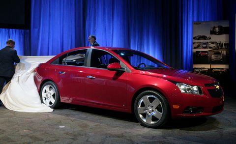 Tire, Automotive design, Vehicle, Land vehicle, Car, Full-size car, Technology, Mid-size car, Automotive lighting, Luxury vehicle,