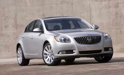 Tire, Mode of transport, Daytime, Vehicle, Land vehicle, Infrastructure, Automotive lighting, Car, Headlamp, Grille,