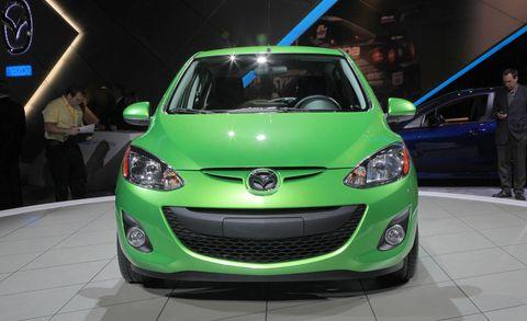 Motor vehicle, Automotive design, Daytime, Vehicle, Event, Headlamp, Land vehicle, Transport, Automotive lighting, Car,