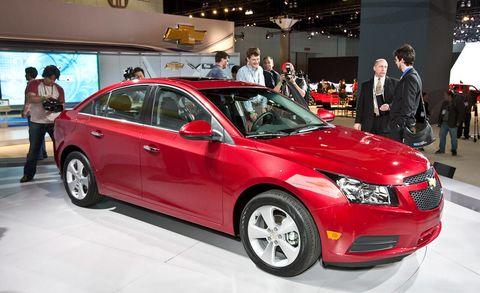 Tire, Wheel, Automotive design, Vehicle, Land vehicle, Event, Car, Full-size car, Mid-size car, Luxury vehicle,