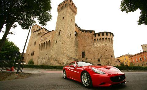 Tire, Wheel, Automotive design, Mode of transport, Vehicle, Land vehicle, Infrastructure, Rim, Car, Performance car,