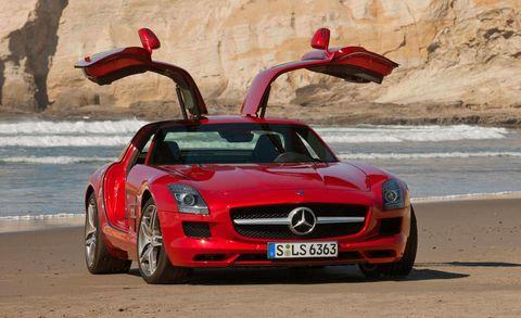 Mode of transport, Automotive design, Hood, Grille, Red, Car, Mercedes-benz, Fender, Performance car, Personal luxury car,