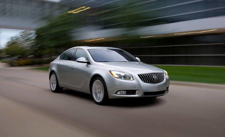 review interior buick cxl regal autoblog test road