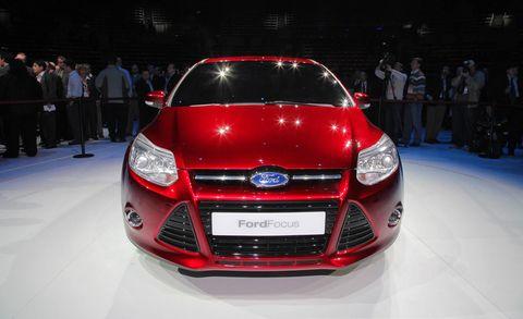 Motor vehicle, Automotive design, Vehicle, Event, Grille, Automotive lighting, Headlamp, Car, Full-size car, Logo,