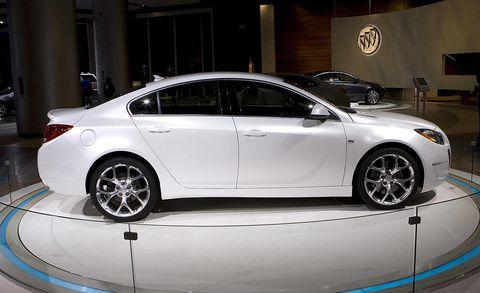 Wheel, Tire, Automotive design, Vehicle, Alloy wheel, Car, Rim, Full-size car, Mid-size car, Automotive lighting,