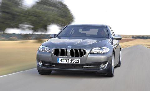 Automotive design, Mode of transport, Automotive exterior, Vehicle registration plate, Vehicle, Automotive lighting, Hood, Grille, Car, Headlamp,