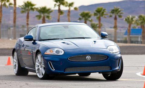 Tire, Automotive design, Vehicle, Land vehicle, Headlamp, Car, Hood, Grille, Automotive mirror, Automotive lighting,