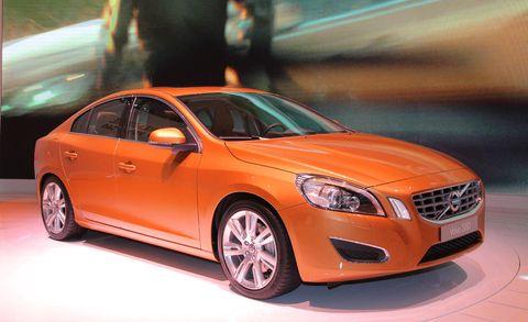 Motor vehicle, Tire, Mode of transport, Automotive design, Automotive mirror, Vehicle, Automotive lighting, Transport, Headlamp, Car,