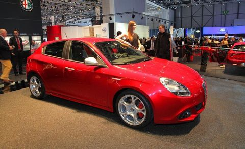 Tire, Wheel, Automotive design, Vehicle, Land vehicle, Event, Car, Alloy wheel, Automotive lighting, Personal luxury car,