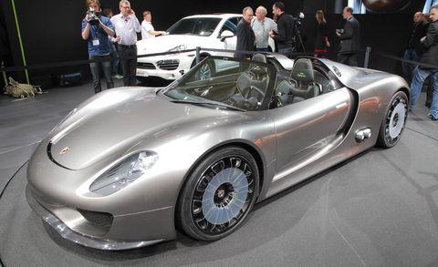 Tire, Wheel, Mode of transport, Automotive design, Vehicle, Land vehicle, Car, Performance car, Auto show, Sports car,