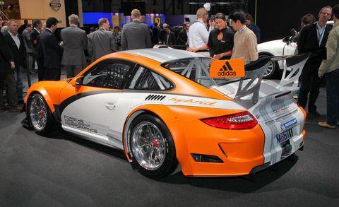 Tire, Wheel, Automotive design, Vehicle, Land vehicle, Performance car, Car, Alloy wheel, Supercar, Rim,