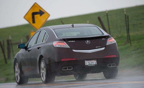 Tire, Wheel, Mode of transport, Automotive design, Vehicle, Road, Automotive tire, Transport, Car, Automotive lighting,