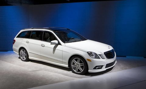 Tire, Wheel, Automotive design, Vehicle, Glass, Transport, Automotive lighting, Car, Rim, Grille,