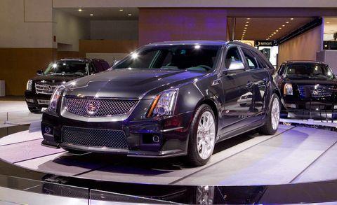 Automotive design, Land vehicle, Vehicle, Event, Car, Automotive lighting, Grille, Fender, Luxury vehicle, Rim,