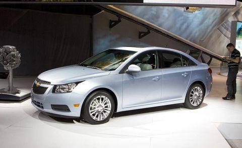 Wheel, Automotive design, Vehicle, Land vehicle, Car, Glass, Automotive mirror, Technology, Full-size car, Automotive lighting,