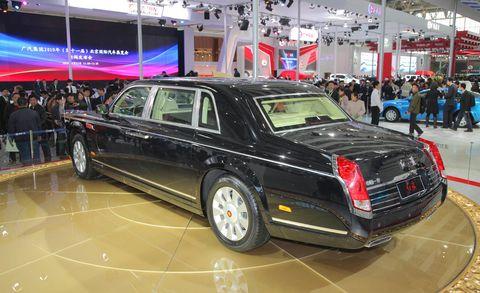 Tire, Automotive design, Vehicle, Land vehicle, Car, Personal luxury car, Rim, Luxury vehicle, Full-size car, Spoke,