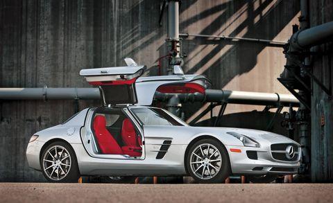 Tire, Wheel, Mode of transport, Automotive design, Vehicle, Transport, Automotive lighting, Car, Fender, Hood,
