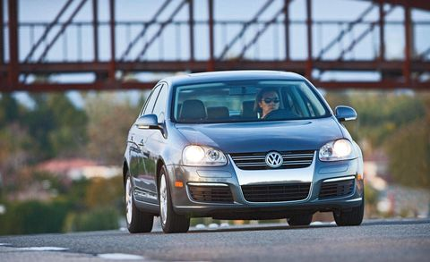 Automotive design, Automotive mirror, Vehicle, Headlamp, Land vehicle, Automotive lighting, Grille, Transport, Hood, Car,