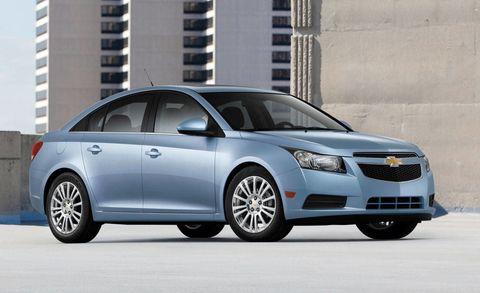 Wheel, Tire, Automotive mirror, Daytime, Vehicle, Product, Land vehicle, Automotive design, Glass, Car,