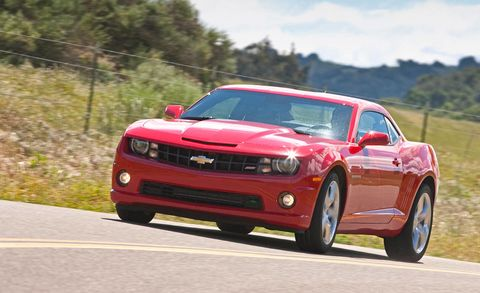 Tire, Automotive design, Automotive tire, Vehicle, Road, Hood, Automotive lighting, Headlamp, Infrastructure, Rim,