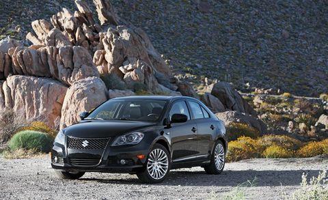 Tire, Automotive mirror, Wheel, Automotive design, Vehicle, Land vehicle, Rim, Car, Spoke, Alloy wheel,