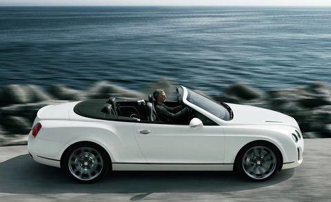 Tire, Wheel, Automotive design, Vehicle, Alloy wheel, Automotive mirror, Car, Convertible, Automotive wheel system, Rim,