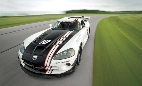 Automotive design, Vehicle, Hood, Headlamp, Plain, Car, Performance car, Automotive lighting, Fender, Sports car,