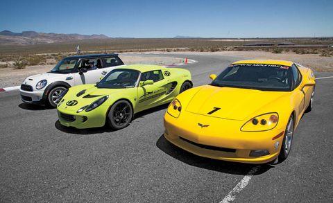 Tire, Wheel, Automotive design, Vehicle, Yellow, Land vehicle, Car, Hood, Automotive parking light, Performance car,