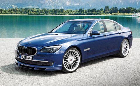 Tire, Vehicle, Grille, Alloy wheel, Rim, Spoke, Hood, Car, Vehicle registration plate, Luxury vehicle,