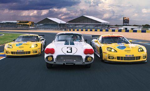 Vehicle, Land vehicle, Sports car racing, Performance car, Car, Supercar, Sports car, Hood, Touring car racing, Motorsport,