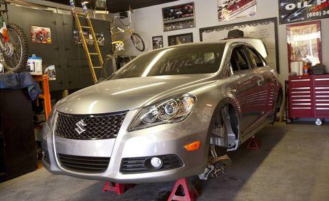Motor vehicle, Automotive design, Vehicle, Event, Automotive lighting, Land vehicle, Headlamp, Car, Grille, Rim,