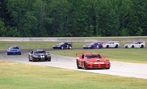 Tire, Wheel, Automotive design, Land vehicle, Vehicle, Motorsport, Car, Sports car racing, Performance car, Race track,