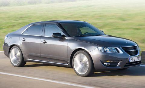 Tire, Wheel, Mode of transport, Automotive design, Daytime, Vehicle, Automotive tire, Land vehicle, Transport, Car,