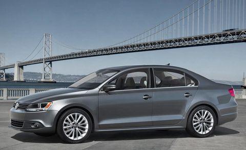 Tire, Wheel, Vehicle, Alloy wheel, Land vehicle, Spoke, Rim, Automotive mirror, Car, Automotive lighting,