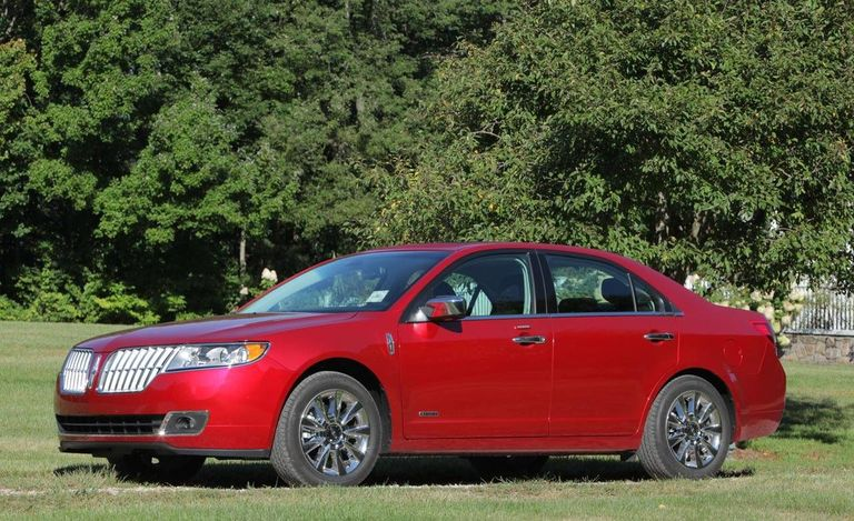 Expert Video Review of the New 2011 Lincoln MKZ Hybrid