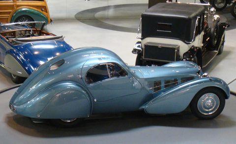 Motor vehicle, Mode of transport, Automotive design, Vehicle, Transport, Classic, Car, Automotive exterior, Classic car, Antique car,