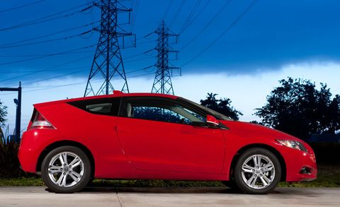 Tire, Wheel, Automotive design, Vehicle, Car, Overhead power line, Rim, Alloy wheel, Electricity, Automotive lighting,