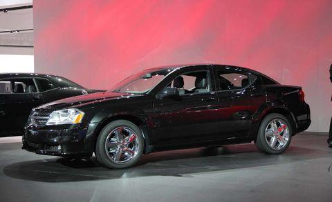 Tire, Wheel, Automotive design, Automotive tire, Vehicle, Land vehicle, Automotive lighting, Rim, Alloy wheel, Car,