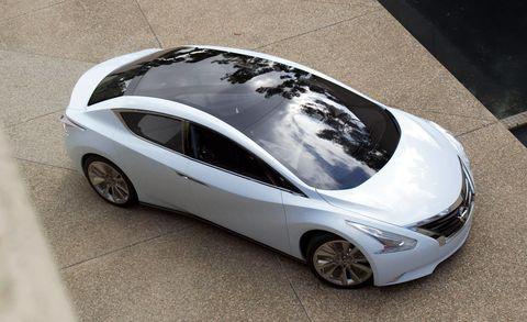 Motor vehicle, Wheel, Mode of transport, Automotive design, Automotive mirror, Vehicle, Transport, Automotive exterior, Automotive wheel system, Rim,