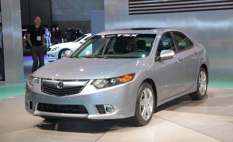 Vehicle, Land vehicle, Glass, Event, Headlamp, Automotive lighting, Car, Technology, Automotive mirror, Grille,