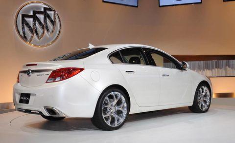 Tire, Wheel, Automotive design, Vehicle, Automotive tire, Rim, Automotive lighting, Alloy wheel, Car, White,