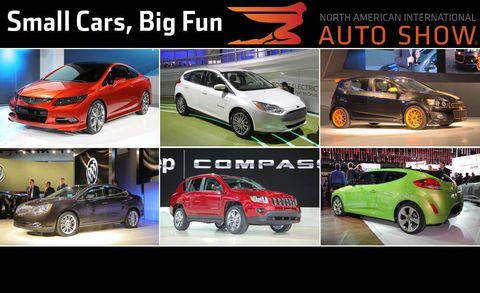 Tire, Wheel, Land vehicle, Vehicle, Automotive design, Car, Automotive mirror, Automotive parking light, Alloy wheel, Automotive lighting,