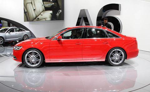 Tire, Wheel, Automotive design, Vehicle, Land vehicle, Alloy wheel, Car, Rim, Automotive tire, Full-size car,