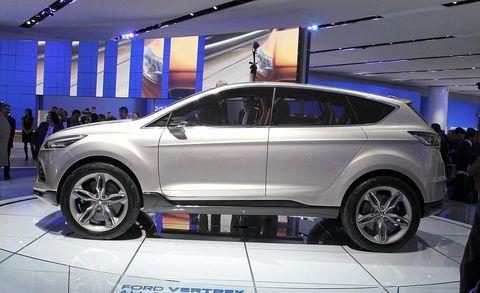 Tire, Wheel, Automotive design, Automotive tire, Vehicle, Land vehicle, Automotive wheel system, Alloy wheel, Car, Rim,