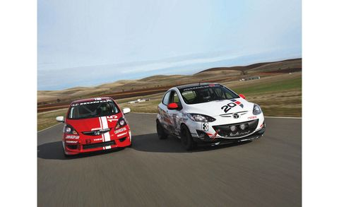 Vehicle, Automotive design, Land vehicle, Motorsport, Car, Sports car racing, Racing, Regularity rally, Rim, Touring car racing,