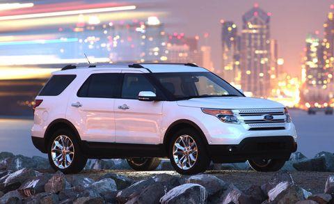 Tire, Wheel, Vehicle, Automotive design, Automotive tire, Land vehicle, Car, Glass, Rim, Automotive lighting,