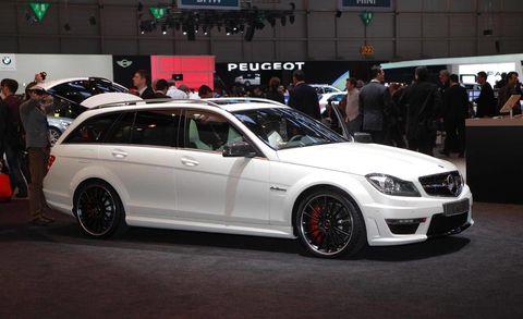 Tire, Wheel, Automotive design, Vehicle, Land vehicle, Car, Alloy wheel, Rim, Spoke, Grille,