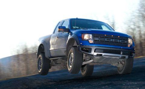 Tire, Wheel, Automotive tire, Automotive design, Vehicle, Automotive exterior, Land vehicle, Hood, Rim, Grille,